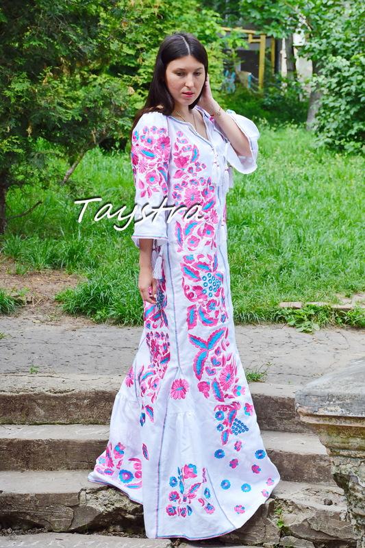 Boho Dress Embroidered, White linen Dress, boho chic Bohemian Vyshyvanka Dress Ukrainian embroidery Vita Kin style