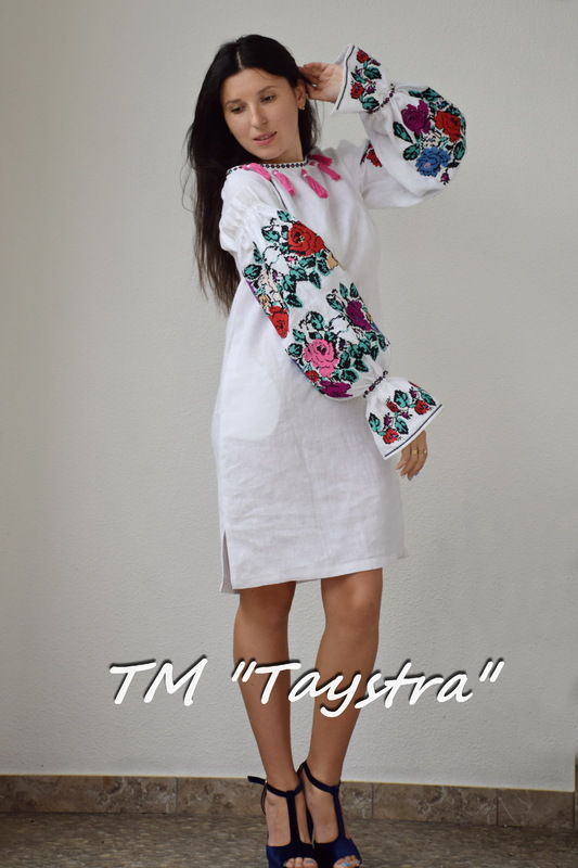 Short Dress Tunic Embroidered white linen, Mini dress embroidered Boho style, Bohemian, ethno, tunic in Boho style